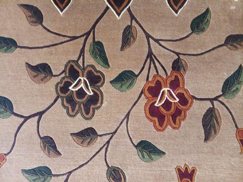 Tibetan carpet flower zoom 1