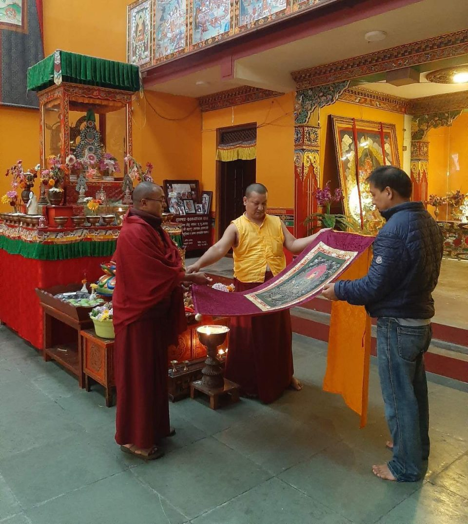 meditation gifts to a Buddhist friend or monk